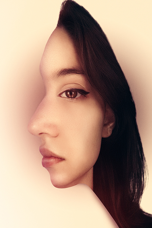 TimothyBaileyPhotography-Optical-illusion-portrait-Olivia-web